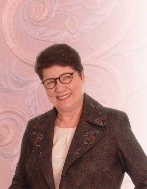 Marta Alto, machine embroidery expert