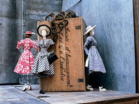 Theatre de la Mode miniature mannequins